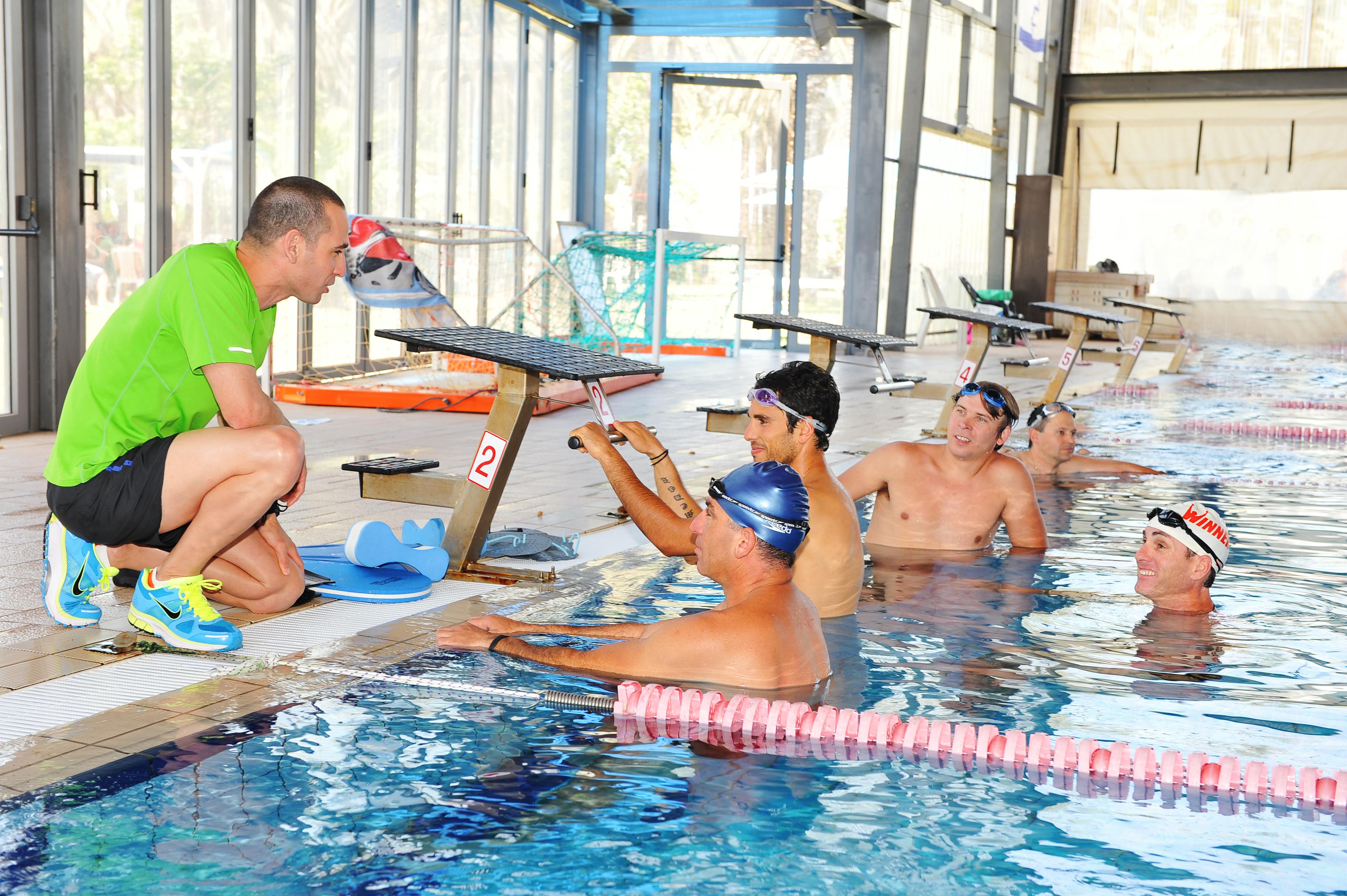 אימון שחייה - קבוצות אימון בבריכה