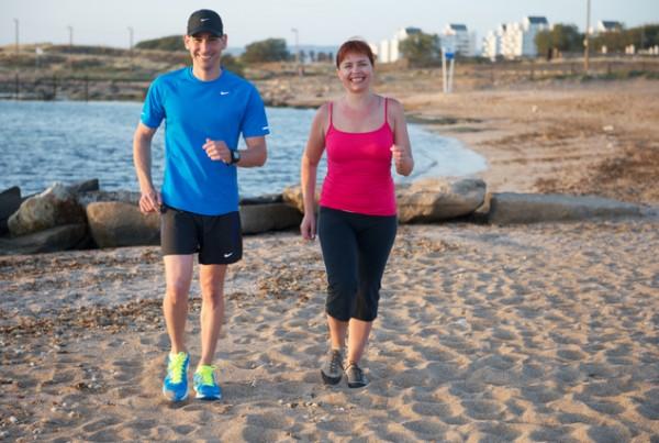 אימון כושר להרזיה - אימון הליכה אישי בחוף הים